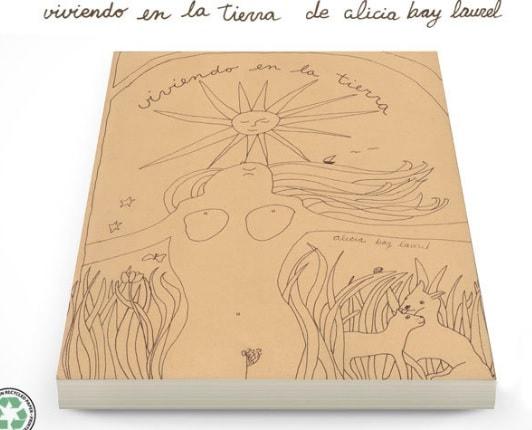 Portada de Viviendo en la tierra de Alicia Bay Laurel, que será publicada por Kachina Ediciones