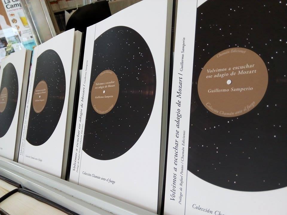 """""""VOLVIMOS A ESCUCHAR ESE ADAGIO DE MOZART"""", última obra publicada por Samperio. Fotografía: Rocio, Popular Libros."""