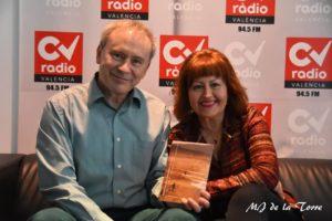Javier Sarti junto a su mujer Mercedes Lillo con Extrañas geometrías
