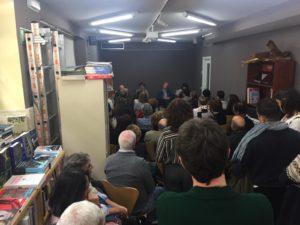 Público asistente a la presentación de El paso que se habita (Chamán Ediciones, Albacete, 2018)