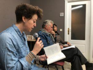 Esther Peñas leyendo poemas de El paso que se habita (Chamán Ediciones, Albacete, 2018)