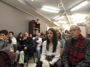 Público asistente a la presentació de El paso que se habita (Chamán Ediciones, Albacete, 2018)