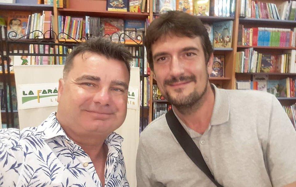 El autor, Ramón Bascuñana, y el presentador Joaquín Juan Penalva.